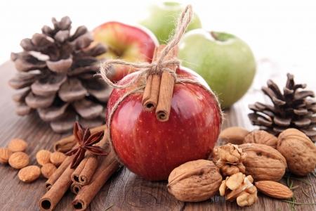apple cinnamon: mela, cannella e decorazione