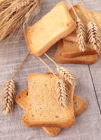 rusk: rusk and wheat