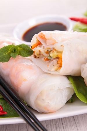 spring roll: rotolo di primavera vietnamita