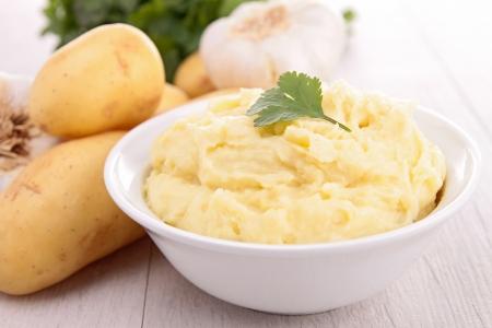 으깬: 으깬 감자 스톡 사진