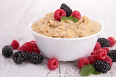porridge and berries photo