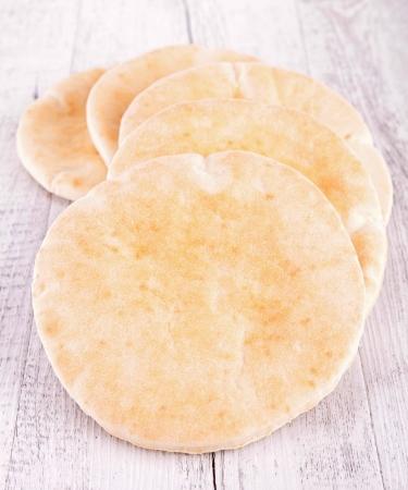 lebanese food: pita bread