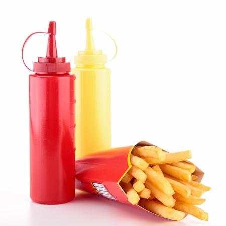 molhos: batatas fritas e molhos