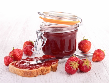 strawberry jam en brood