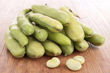 green bean on wood Stock Photo - 22062102