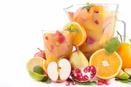 jugo de frutas: c�ctel de frutas jugo en blanco