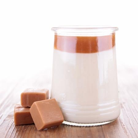 cotta: panna cotta with caramel