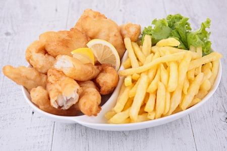fish and chips: pescado y patatas fritas