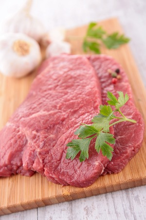 beefsteak: raw beefsteak