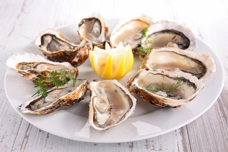 seafood platter: oysters