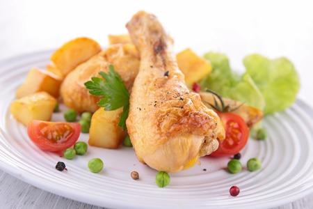 chicken leg: grilled chicken leg Stock Photo