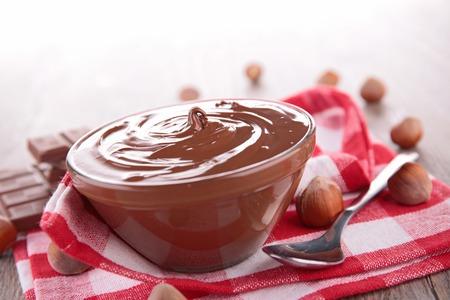 nutella: chocolate spread