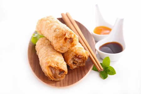 spring roll and sauce