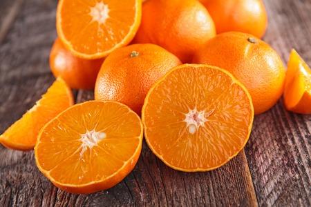 clementine: fresh clementine or orange