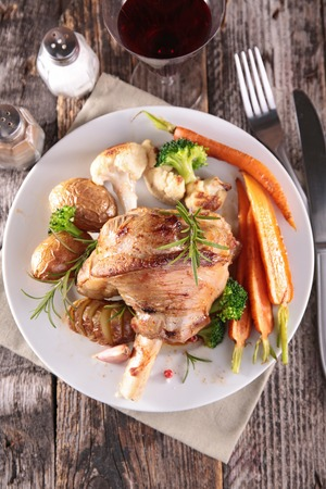 lamb chop: cooked lamb chop with vegetable Stock Photo