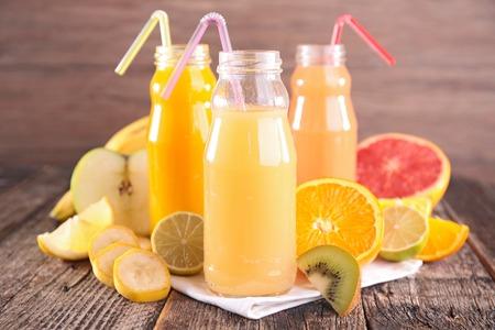jugo de frutas: jugo de fruta