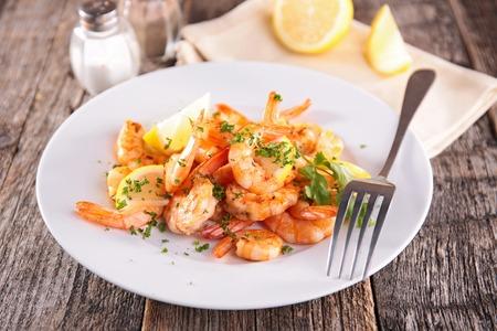 perejil: camarones fritos y perejil