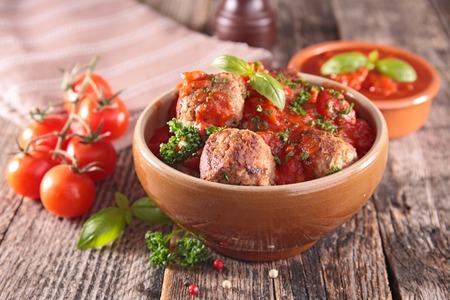 meatballs with tomato sauce and basil Stok Fotoğraf