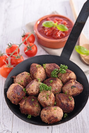 mincing: pan with meatballs