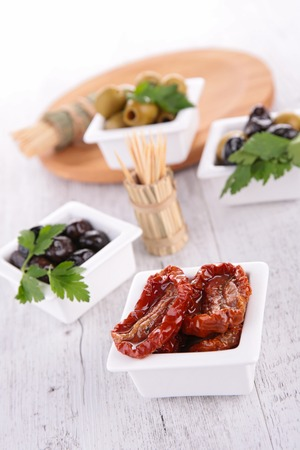epicure: dried tomato and olive
