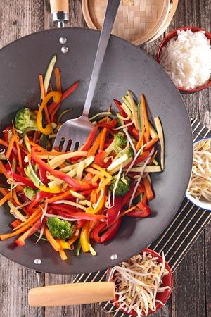 stir fry: stir fry vegetables