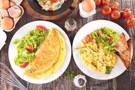 petit déjeuner: petit-déjeuner oeuf  Banque d'images