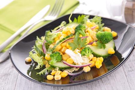 ensalada: ensalada de vegetales  Foto de archivo