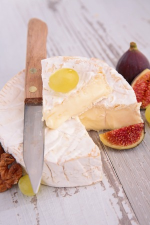 fig: camembert with fresh fig