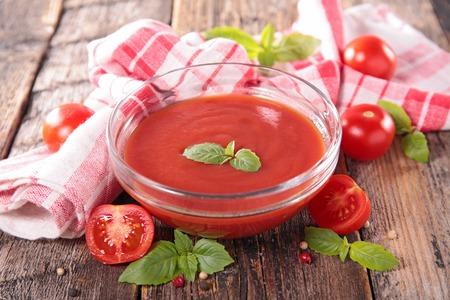 salsa de tomate: salsa de tomate o el gazpacho