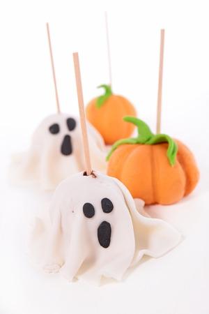 cake pops: halloween cake pops
