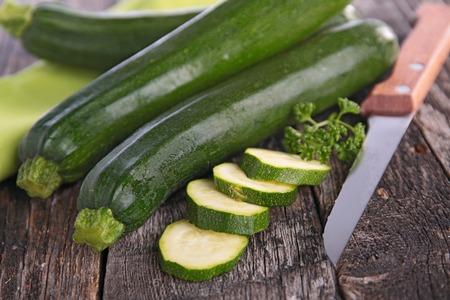 zucchini: raw zucchini