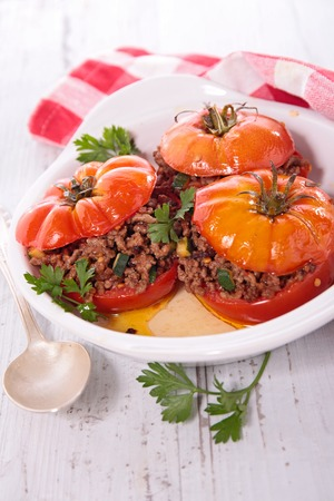 minced: baked tomato with minced beef
