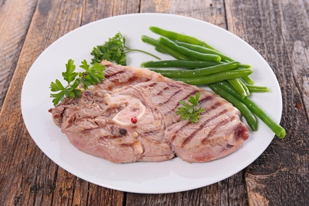 chop: grilled lamb chop with bean