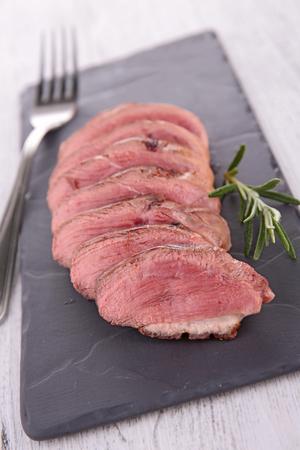 carne roja: carne roja en rodajas