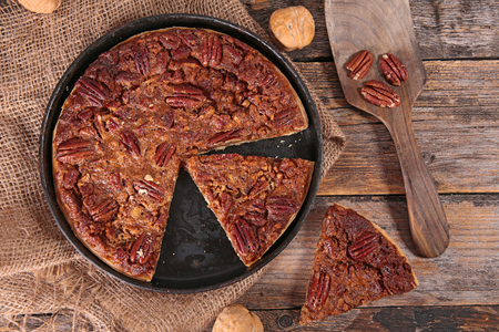 pecan pie,traditional thanksgiving dessert