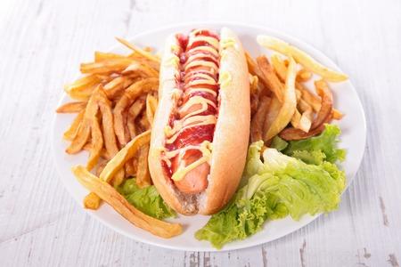 perro caliente: perro caliente y francés fritas