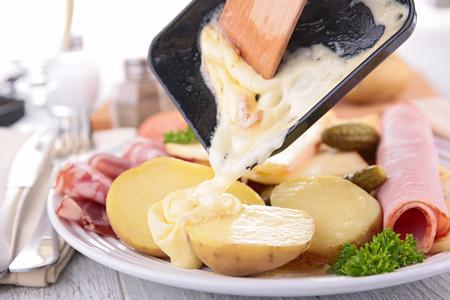 raclette cheese Zdjęcie Seryjne - 48431040
