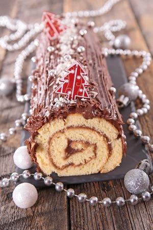 yule: chocolate christmas log