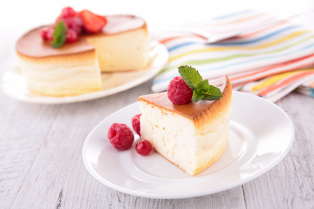 cheesecake with berry fruit