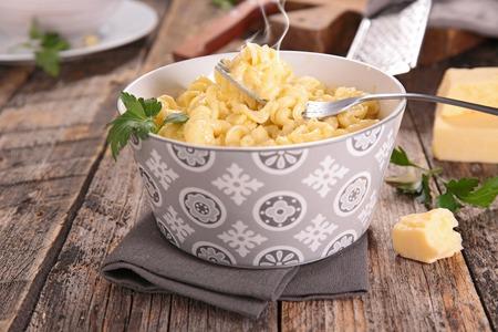eating dinner: cheesy pasta