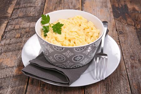 macarrones: macarrones cheesey