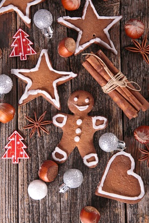 baking christmas cookies: gingerbread cookie