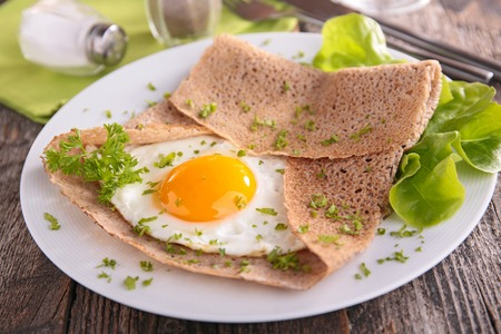 crepe: buckwheat crepe with egg