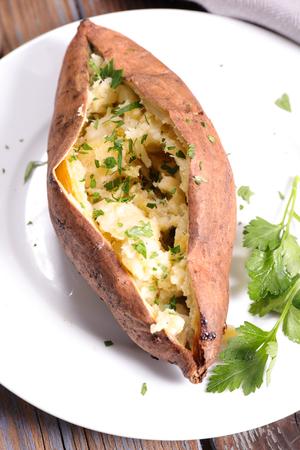 sweet potato: batatas horneado Foto de archivo