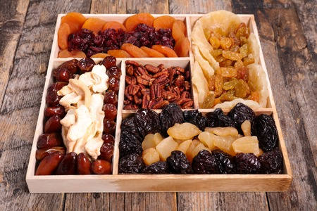 dried fruit: assorted dried fruit