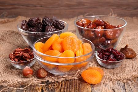 fruits secs assortis