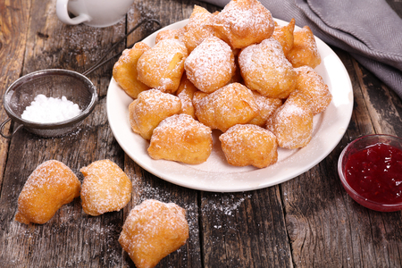 "french pastry: franc�s pasteler�a ""mascota de ninguno"""