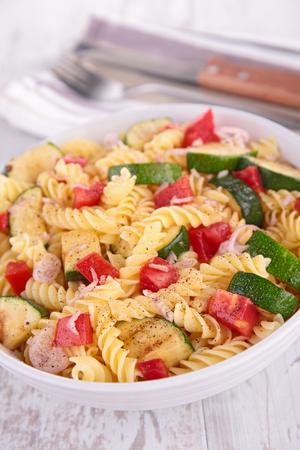 Salade de pâtes Banque d'images - 54090310