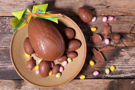 huevos de pascua: huevo de Pascua de chocolate