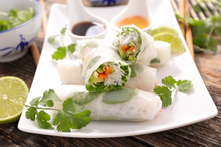 spring roll: healthy vegetarian spring roll